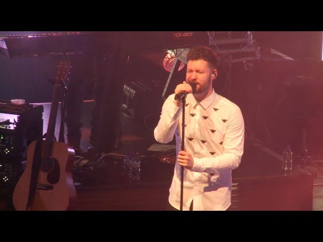 around-1000-fans-watch-calum-scott-perform-in-his-home-city-of-hull-itv-news