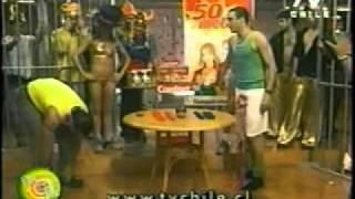 """Felipe Camiroaga y Julián Elfenbein en """"Pase lo que Pase""""  TVN 2002 1a parte"""