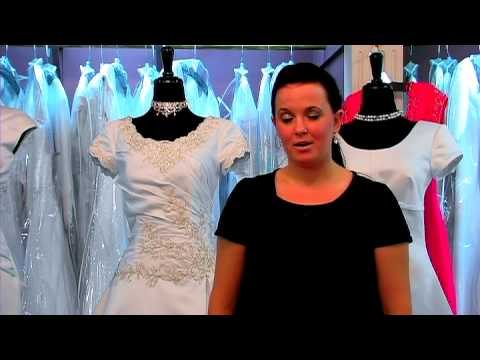 Wedding Dresses : How to Sell Your Wedding Gown
