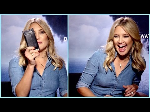 Kate Hudson admits she sometimes takes selfies with other celebs (and her obsession with Instagram)