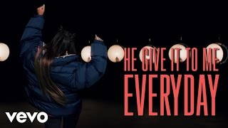 Repeat youtube video Ariana Grande - Everyday (Lyric Video) ft. Future
