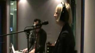 SIA Live @ B Side (Radio Deejay): Distraction
