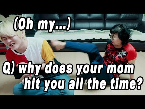 My Mom's Reaction When Fans Ask Many Question // 왜 우리 엄마는 항상 날 때릴까요 너무 아파!