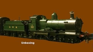 Unboxing the GWR class 3200 Dukedog from Bachmann