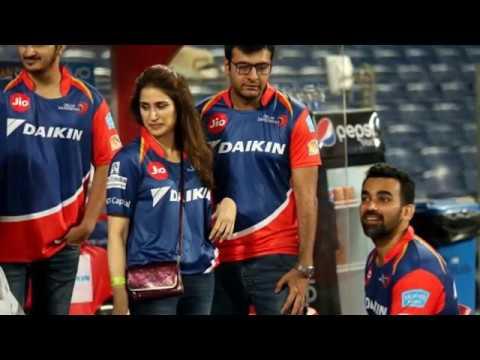 Zaheer Khan's girlfriend Sagarika Ghatge seen at Delhi Daredevils match