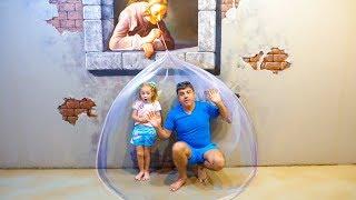 Nastya و papa لعب الغميضة والبحث عن المتعة العائلية اللعب