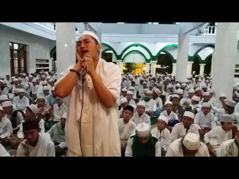Irwan Sumenep Adzan Suara Sangat Bangus di Masjid Wali Songo Al Qodiri Jember