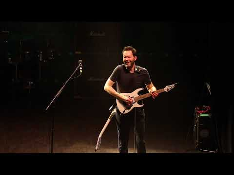 Paul Gilbert AMAZING Guitar Solo, Mr Big live in London 2017