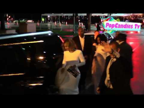 Beyonce & Jay Z with Solange Knowles depart 2015 Vanity Fair Oscar Party LA