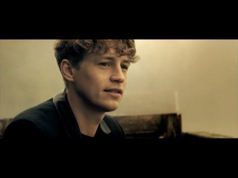 Tim Bendzko feat. Cassandra Steen  - Unter die Haut (Offizielles Video)