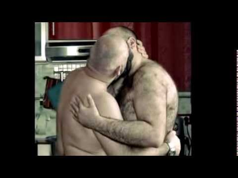 bears kissing bears IV from YouTube · Duration:  59 seconds
