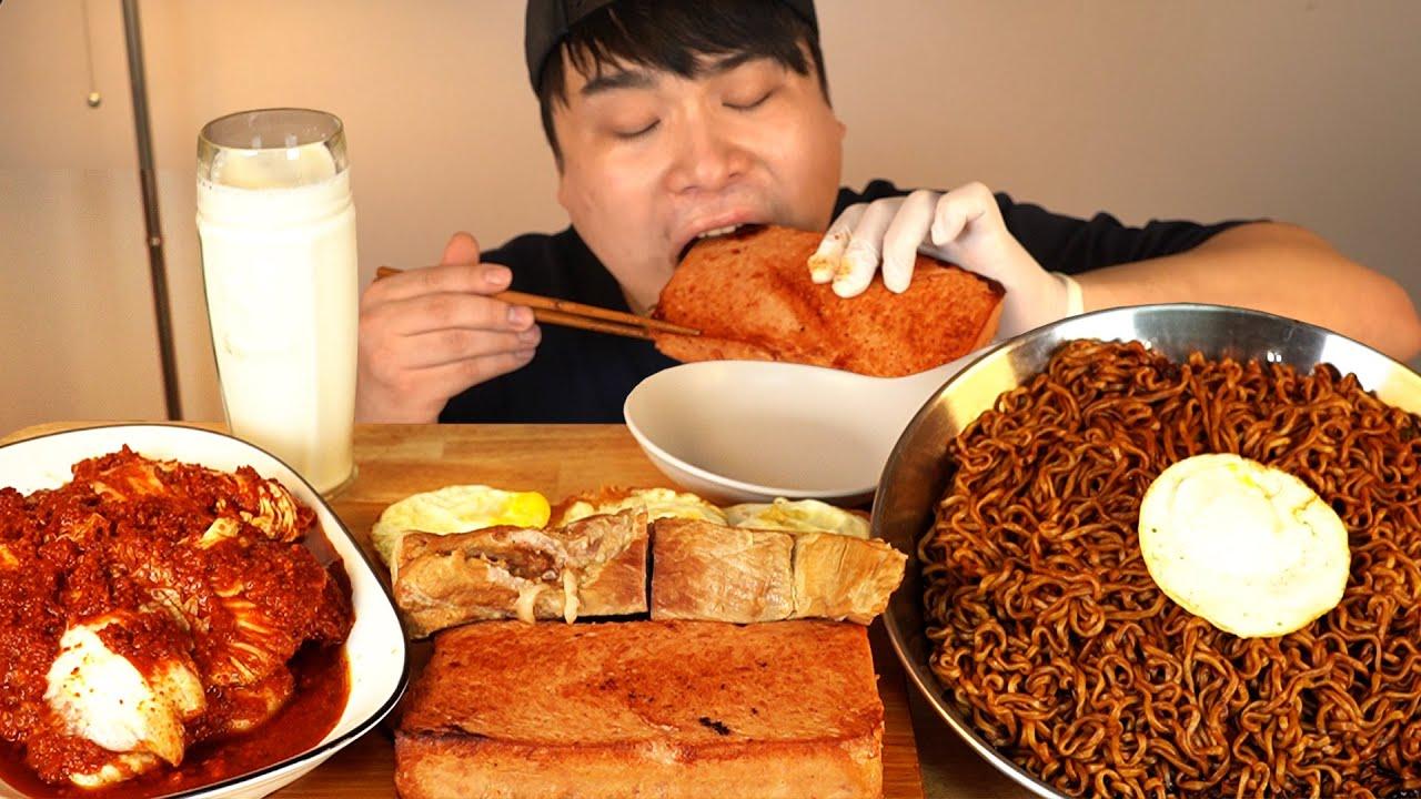 짜파게티와 실비김치, 통스팸, 통보쌈, 계란후라이 먹방~!! 리얼사운드 ASMR social eating Mukbang(Eating Show)