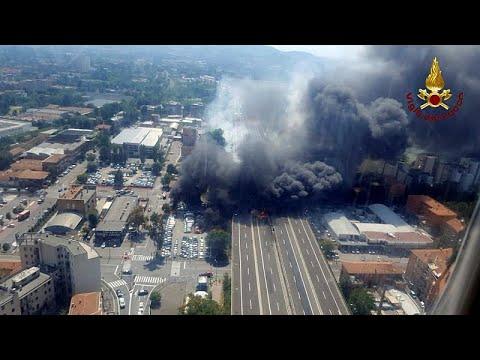 Download Explosion spectaculaire d'un camion en Italie