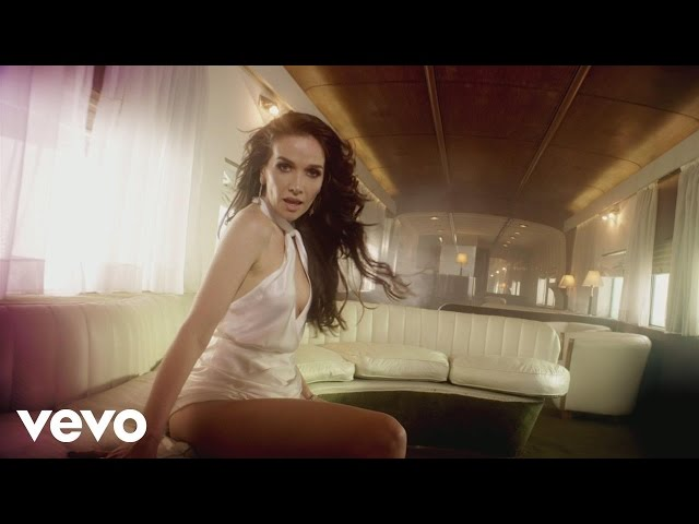 Natalia Oreiro - Corazón Valiente ft Rubén Rada