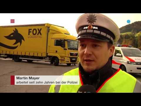 Deutscher Polizist schnuppert Appenzeller Luft