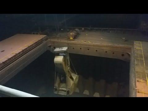 Ship cargo unloading crane iron ore part 1