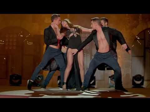 Deepika Padukone's Thighs & Panty Touched By A Dancer! Raabta Song 2017 thumbnail