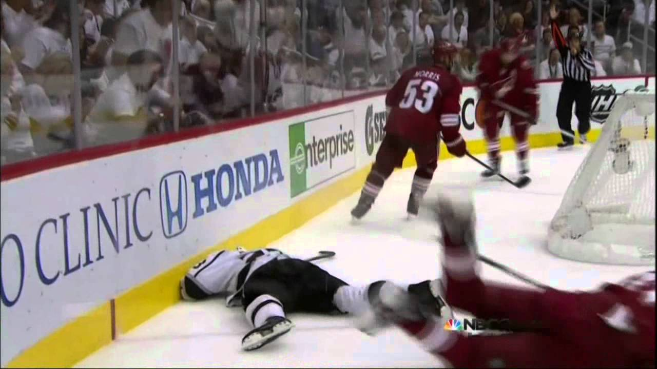 Martin Hanzal Boarding On Brown Los Angeles Kings Vs Phoenix
