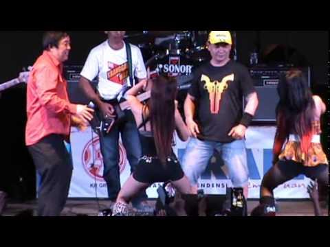 Dangdut Koplo Hot UUT SELLY & CENUL POMPIA - Goyang Dumang
