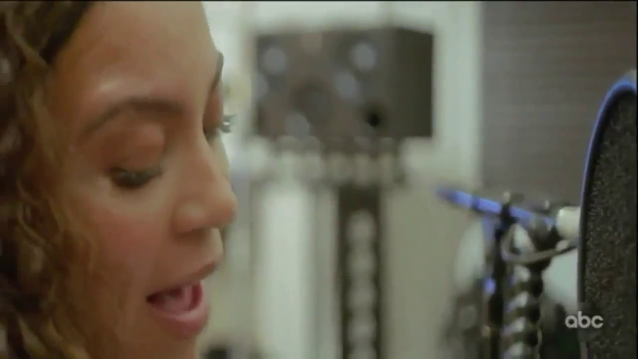 Download Beyoncé singing Spirit acapella & playing piano (Making The Gift)