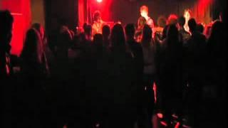 福島のロックバンド PRECIOUSが、2009年12月のライブで、リスペクトする...