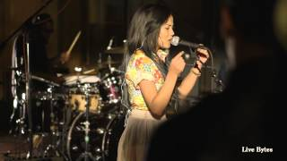 Jhene Aiko Performs 'Space Jam'- Live Bytes