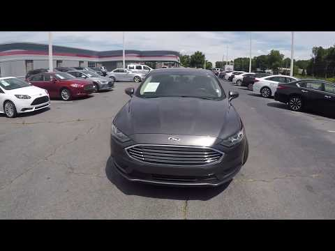 Walkaround Review of 2017 Ford Fusion R05206A