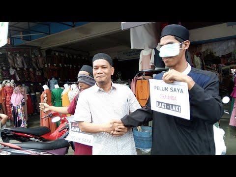 Lihat Reaksi Warga Palopo Saat Melihat Wanita Bercadar di Pasar