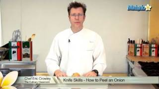Knife Skills - H๐w to Peel an Onion