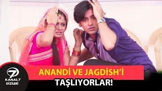 Anandi ve Jagdish'i Taşlıyorlar! |  İkimizin Yerine 391. Bölüm Özeti