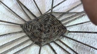 Плетёное квадратное дно из газетных трубочек. Часть 4.2.