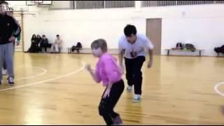 Little Girl Performs Amazing Electronic Dance