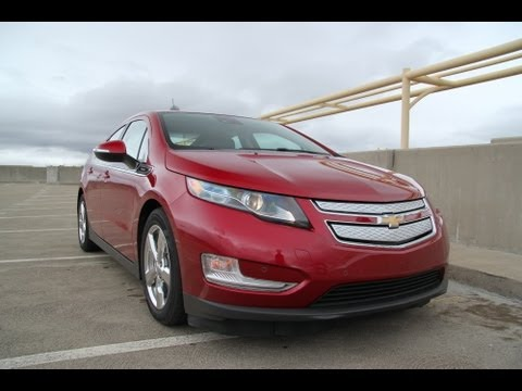 2013 Chevrolet Volt Range Extending EV / Plug In Hybrid Review
