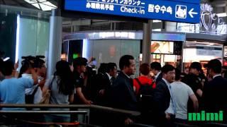 仁川空港でベトナムでのチャリティーサッカー取材後のジェジュンとジュ...
