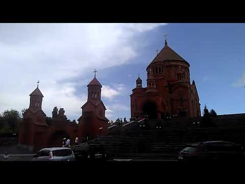 Красивая церковь в городе спутнике Еревана - Абовян, май 2019 | туризм в Армении