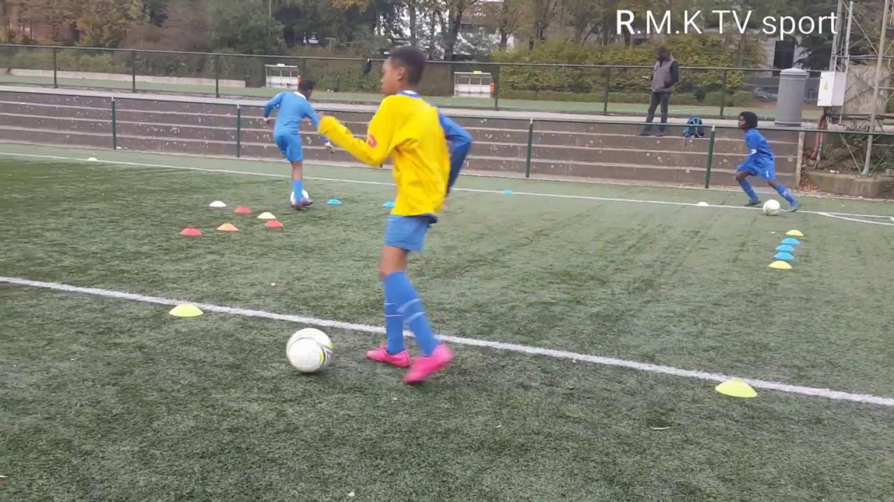 Download APPRENTISSAGE DU FOOTBALL : U12 IL A  RSD JETTE FORMATEUR : J. KAOUROU KOUYATE.