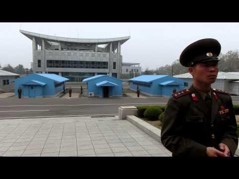 北朝鮮 韓国 板門店 Panmunjeom 北側から南側を見ました 北緯38度線