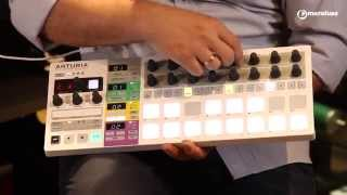 Unboxing de Arturia Beatstep Pro en MicroFusa Madrid con Zígor López