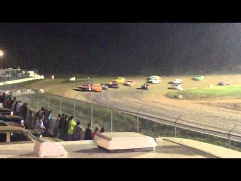 34 raceway 5-9-15 stock car feature pt4