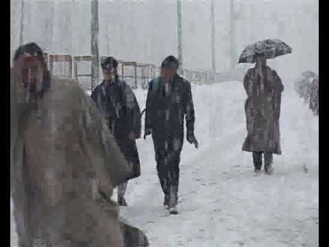 snowfall in gulmarg kashmir