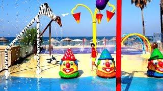 Sado su oyun parkında! Sado play in the Children Water Park with Giant Water Slide for Kids Video
