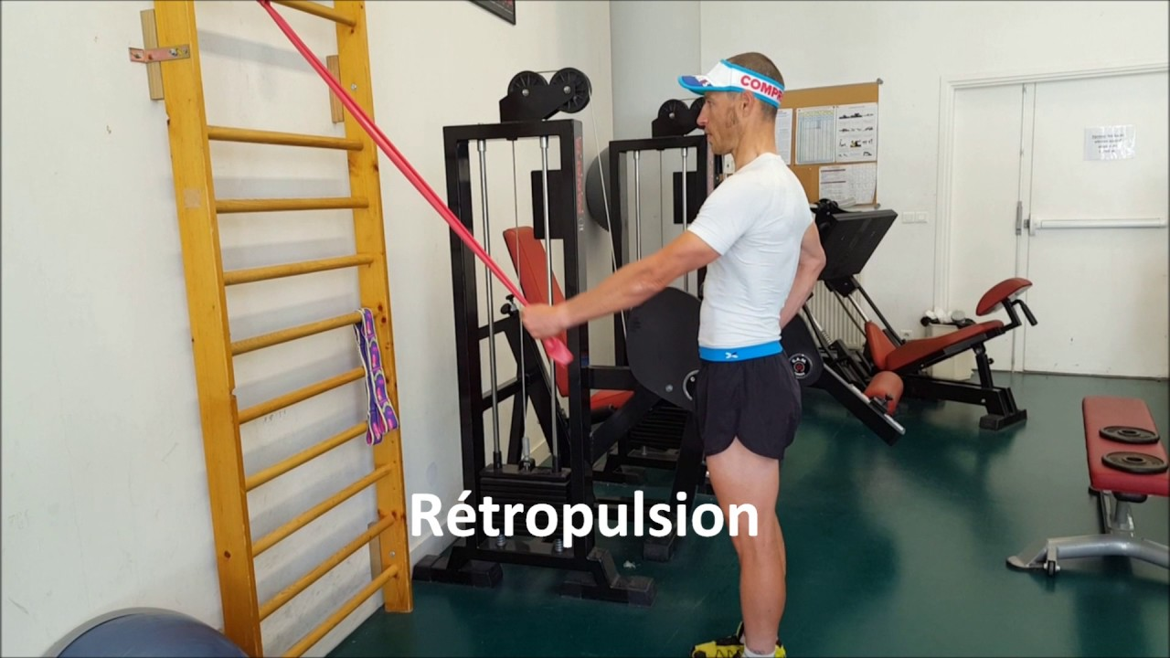 Renforcement musculaire de l'épaule avec élastique - YouTube