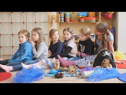 """Kinderyoga DVD Stundenbild """"Am Meer"""" Grundschule Berlin Methodik Didaktik sunlight kids yoga"""