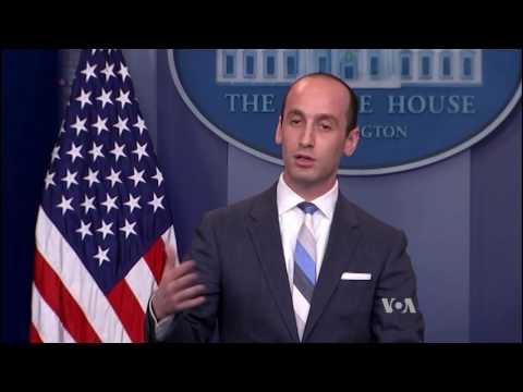 Trump Endorses Bill to Limit Green Card Immigration
