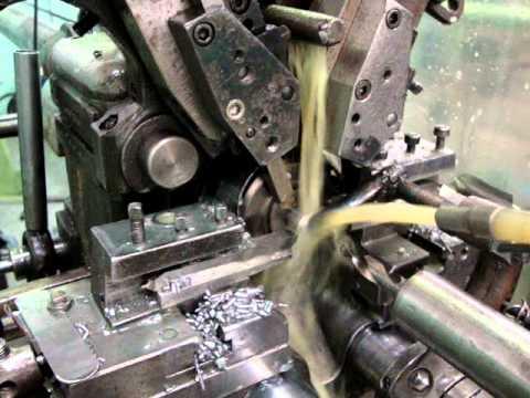 Fabricação de Peça no Torno TA-25.MPG