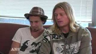 PUDDLE OF MUDD GIVE PROPS TO BIZKIT VOX DURST