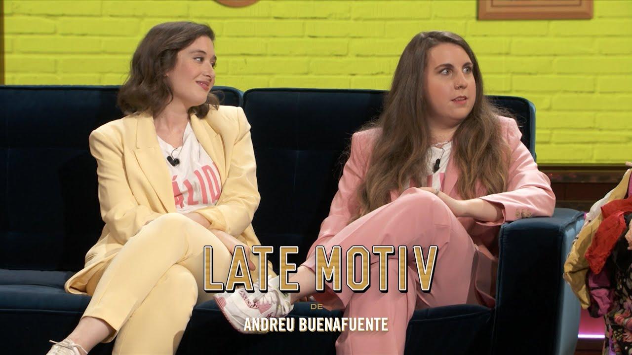 LATE MOTIV - Victoria Martín y Carolina Iglesias. Estirando El Chicle   #LateMotiv875