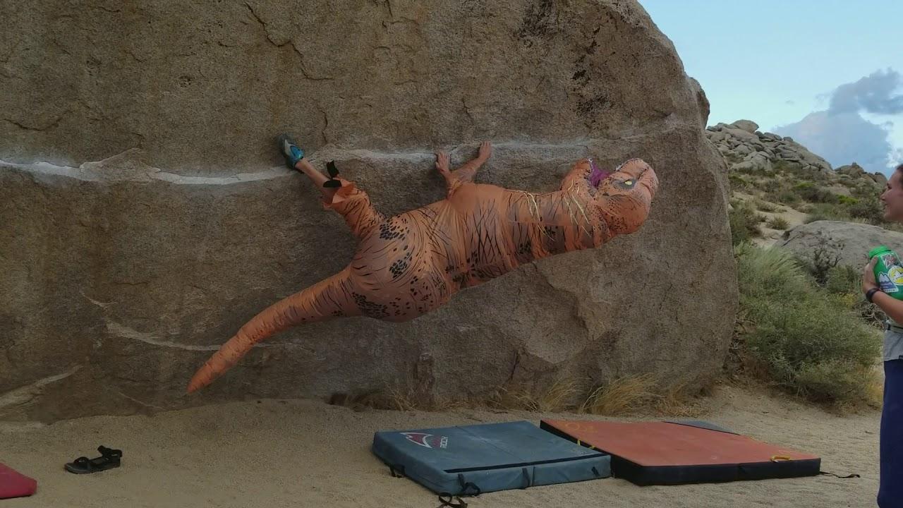 Video: T-Rex Attempts Iron Man (V4) Traverse