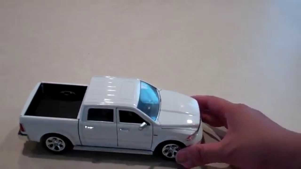 Dodge Ram 1500 1 24 Scale Diecast Model Youtube