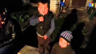 Мальчику всего два года, но как он поет гимн Украины!(, 2014-12-11T20:11:59.000Z)